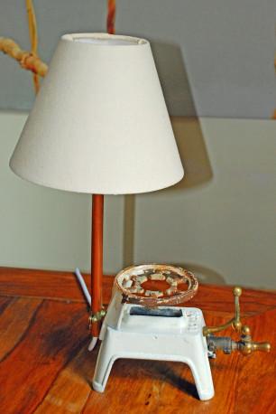Lampe à poser upcyclée vintage