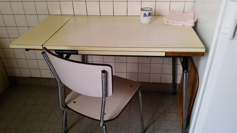 Table de cuisine en formica vintage les vieilles choses for Table de cuisine en formica
